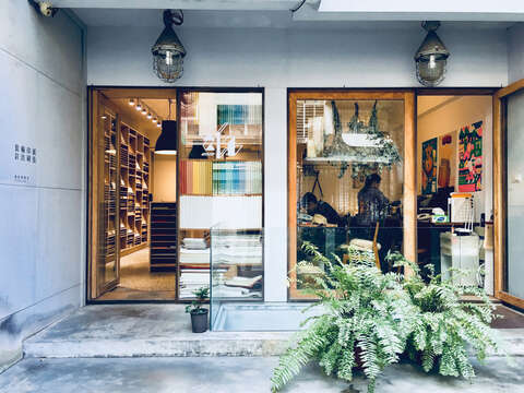 In Pinmo Pure Store, you may find art papers and a variety of related products. (Photo/Pinmo Pure Store)