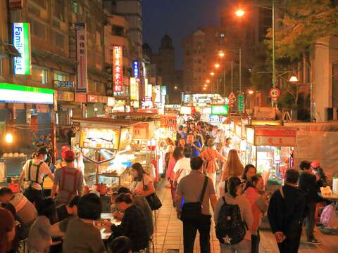 More Discounts: Combining Safe Travel Program with Night Market Vouchers