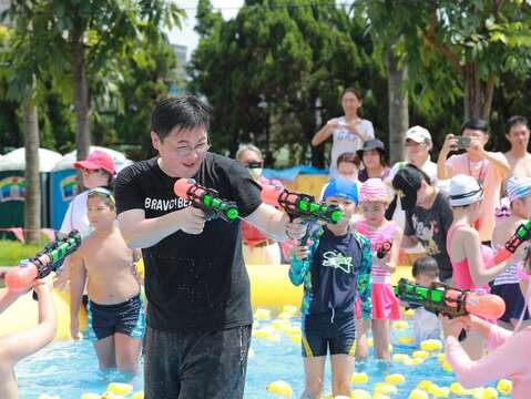 Bravo's Water Park Opens with Water guns and Splashes