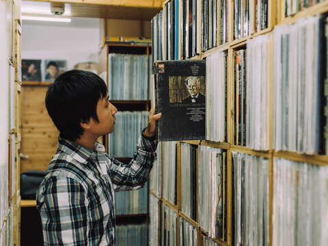 Despite the fact that technology has revolutionized the music industry, there are still many stores in Taipei dedicated to preserving records.